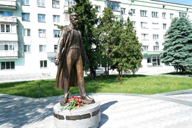 Житомиряни вшанували відомого земляка Олега Ольжича