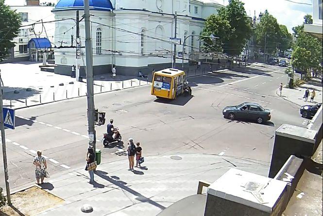 ДТП у центрі Житомира: поліція шукає свідків