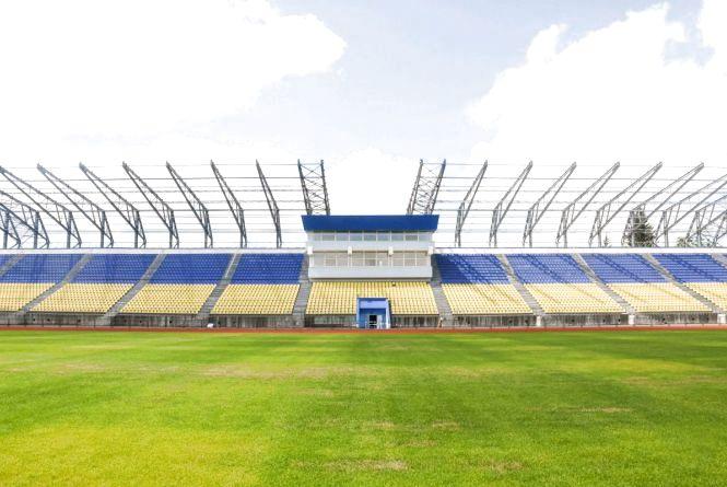 Через тиждень на стадіоні «Полісся» вже тестуватимуть освітлення та розпочнуть накриття трибуни