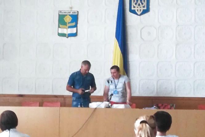 Житомирщина: після публікацій у ЗМІ у ВО №66 знайшлися «загублені» 9 з 59 печаток дільничних комісій