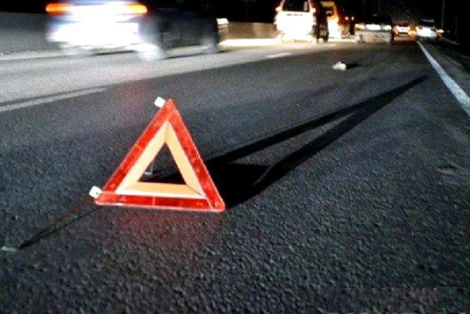 Нічна ДТП у Бердичівському районі: автомобіль у кюветі, водій — у реанімації
