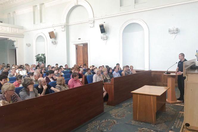 Фахівці Житомирського міського відділу Управління ДСНС в області проінструктували представників дільничних виборчих комісій міста