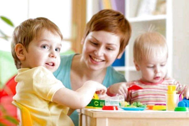На Житомирщині вже 34 родини отримали компенсації від держави за послуги няні
