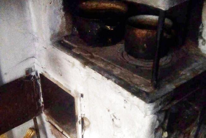 У Житомирі бабуся вирішила розтопити піч і мало не призвела до пожежі в будинку