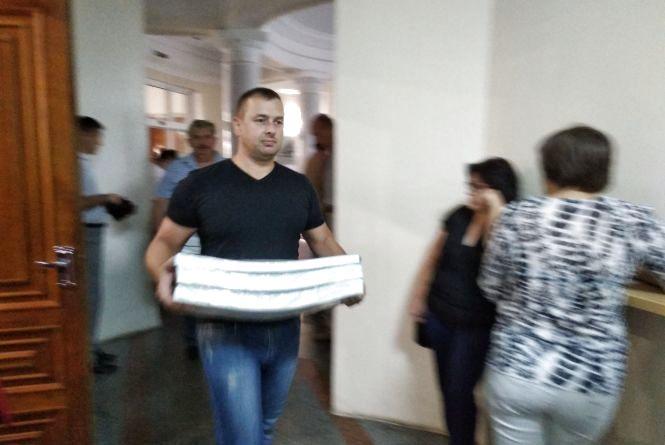 У Житомир привезли виборчі бюлетені