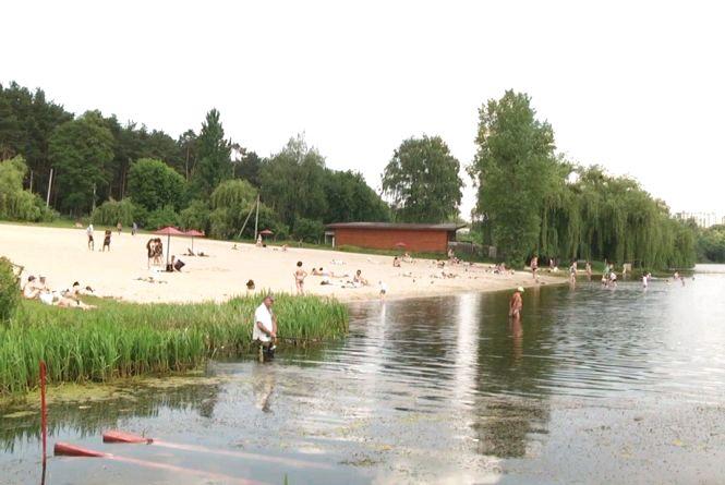Житомирянам дозволили купатися, а коростенцям та жителям Новограда-Волинського - ні