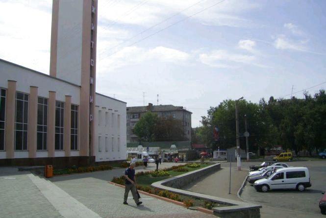 У Житомирі поліція перевіряє повідомлення про підозрілий предмет на залізничному вокзалі