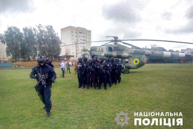 Нацполіція направила на Житомирщину гелікоптер зі спецпідрозділом ТОР – для забезпечення правопорядку під час підрахунку голосів на №64 ОВК