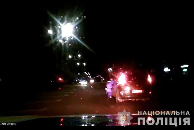 У Житомирі поліцейські затримали водія, підозрюваного у травмуванні патрульного