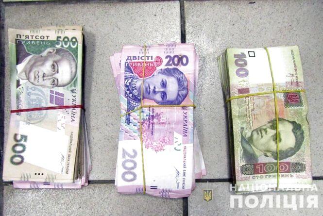 У Черняхові продавець поцупив гроші з магазину: крадія викрив службовий пес