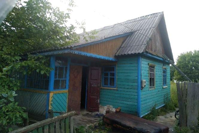 Під час пожежі в житловому будинку в Баранівці врятовано двох чоловіків