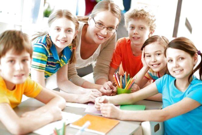 З 1 вересня заробітна плата педагогів дошкільної, позашкільної та профосвіти зросте на 10% - оприлюднено постанову Уряду
