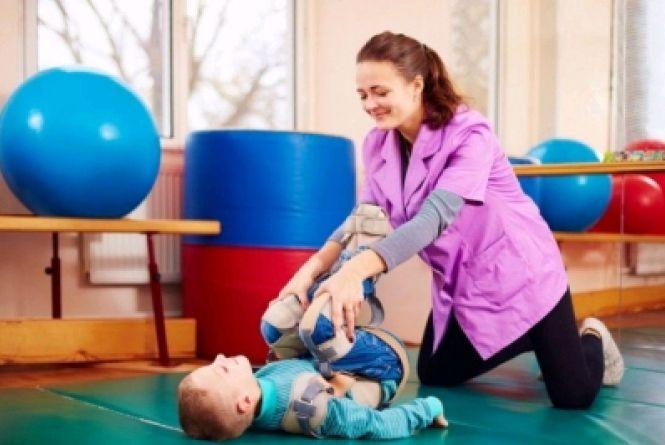 Уряд розширив програму реабілітації дітей з інвалідністю