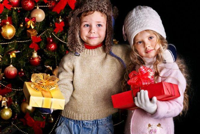 Школярі 1-4 класів Житомира отримають новорічні подарунки від міськради
