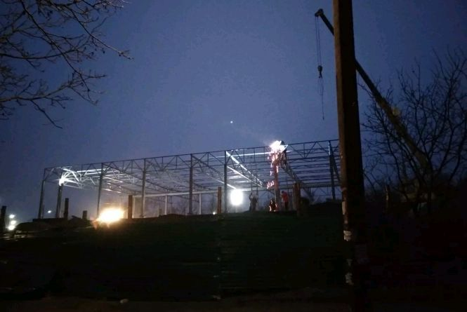 ДАБІ винесла припис зупинити роботи з будівництва АЗС на проспекті Незалежності, 29