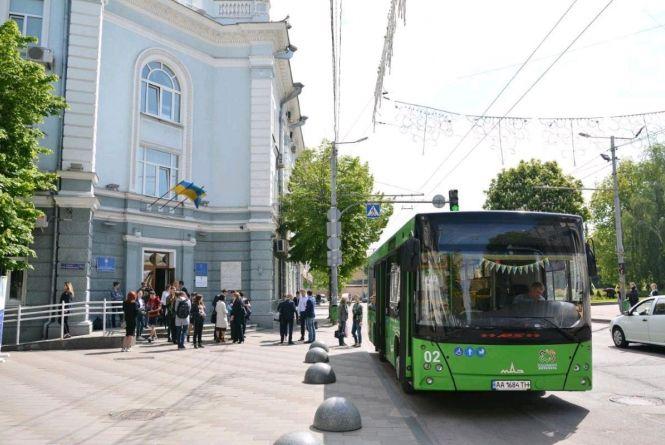 Деталі про нові тарифи на проїзд в Житомирі: вартість, пільговики та робота в нічний час