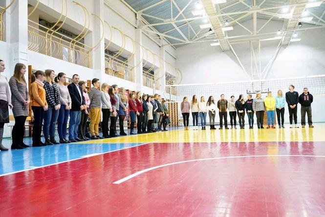 З нагоди відкриття III зимових Юнацьких Олімпійських ігор в Лозанні у ЖДУ ім. І. Франка підняли прапори