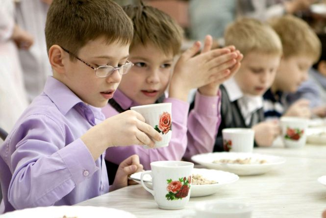 «Не місцевим» батькам доведеться 100% сплачувати за дитяче харчування в школах та садочках Житомира
