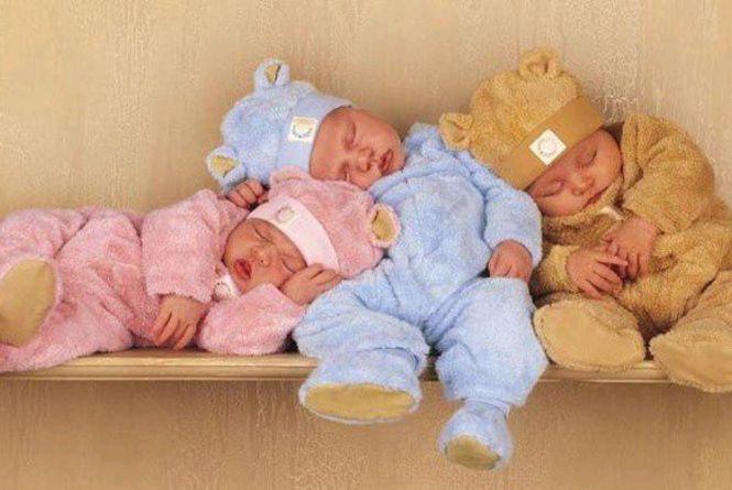 На Романівщині за рік народилося 210 малюків – 111 дівчаток і 99 хлопчиків