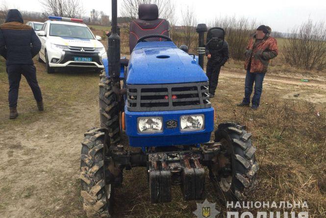 """За """"катання"""" на чужому тракторі житель Овруччини може отримати від 5 до 8 років ув'язнення"""