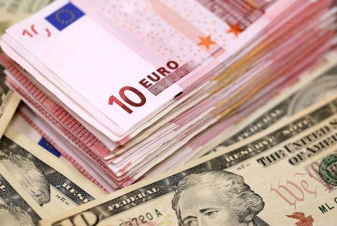 Курс валют на 24 січня: гривня дешевшає