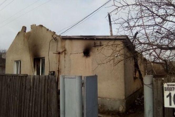 У Брусилові чоловік врятував із палаючої оселі трьох дітей та дружину