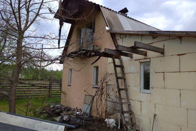 У Коростишівському районі бійці ДСНС врятували двоповерховий дачний будинок від знищення вогнем