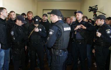 Житомирських активістів не пустили на екологічну комісію обласної ради. ФОТО, ВІДЕО