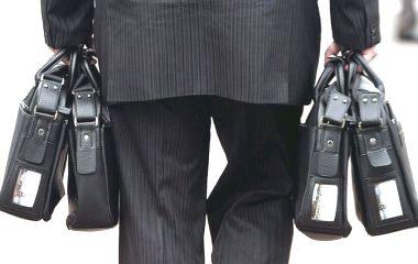 Житомиряни проти захмарних рівнів зарплат місцевих чиновників