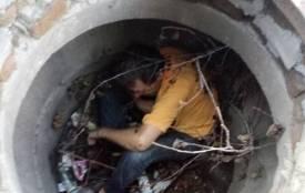 У Бердичеві в незакритий каналізаційний колодязь впав чоловік